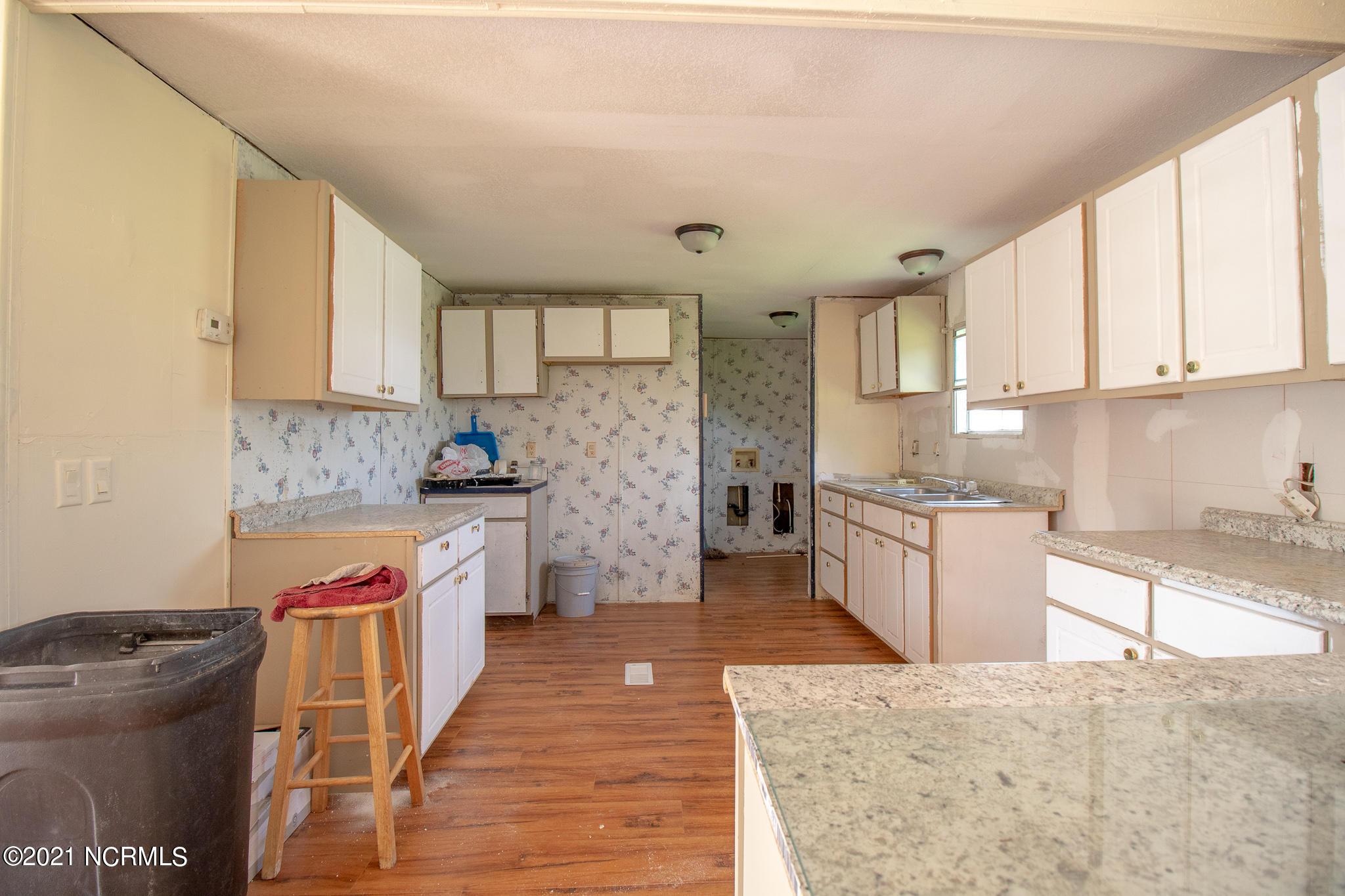 5116 Doe Run Court, Rocky Mount, North Carolina 27803, 4 Bedrooms Bedrooms, 8 Rooms Rooms,2 BathroomsBathrooms,Manufactured home,For sale,Doe Run,100278613