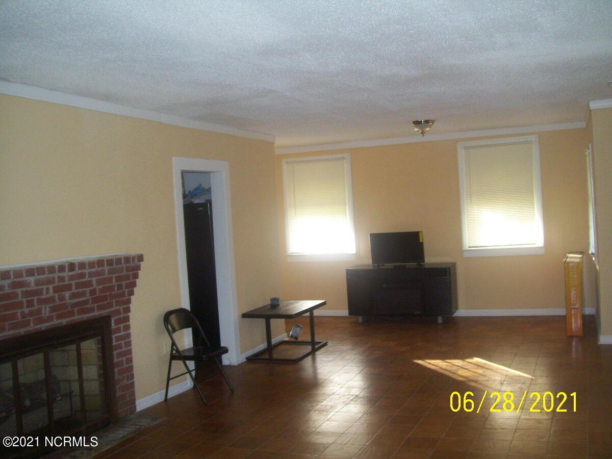 150 Cherry Farm Road, Kelford, North Carolina 27847, 3 Bedrooms Bedrooms, 6 Rooms Rooms,1 BathroomBathrooms,Single family residence,For sale,Cherry Farm,100278688