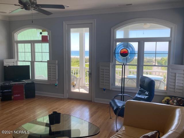 903 Ocean Boulevard, Topsail Beach, North Carolina 28445, 3 Bedrooms Bedrooms, 8 Rooms Rooms,3 BathroomsBathrooms,Townhouse,For sale,Ocean,100278856