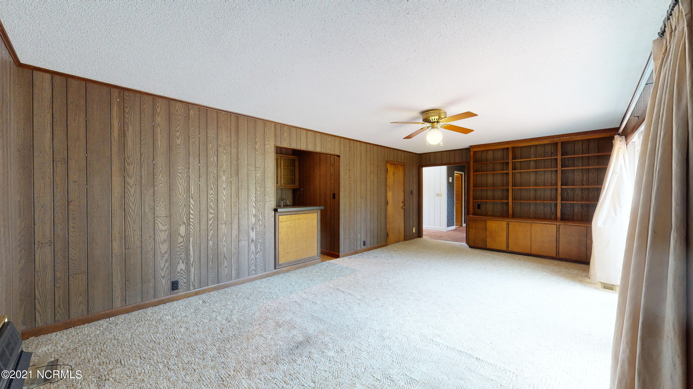 314 Phillips Drive, Minnesott Beach, North Carolina 28510, 4 Bedrooms Bedrooms, 8 Rooms Rooms,2 BathroomsBathrooms,Single family residence,For sale,Phillips,100279106