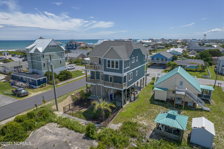 302 New Bern Avenue, Surf City, North Carolina 28445, 4 Bedrooms Bedrooms, 8 Rooms Rooms,3 BathroomsBathrooms,Single family residence,For sale,New Bern,100278988