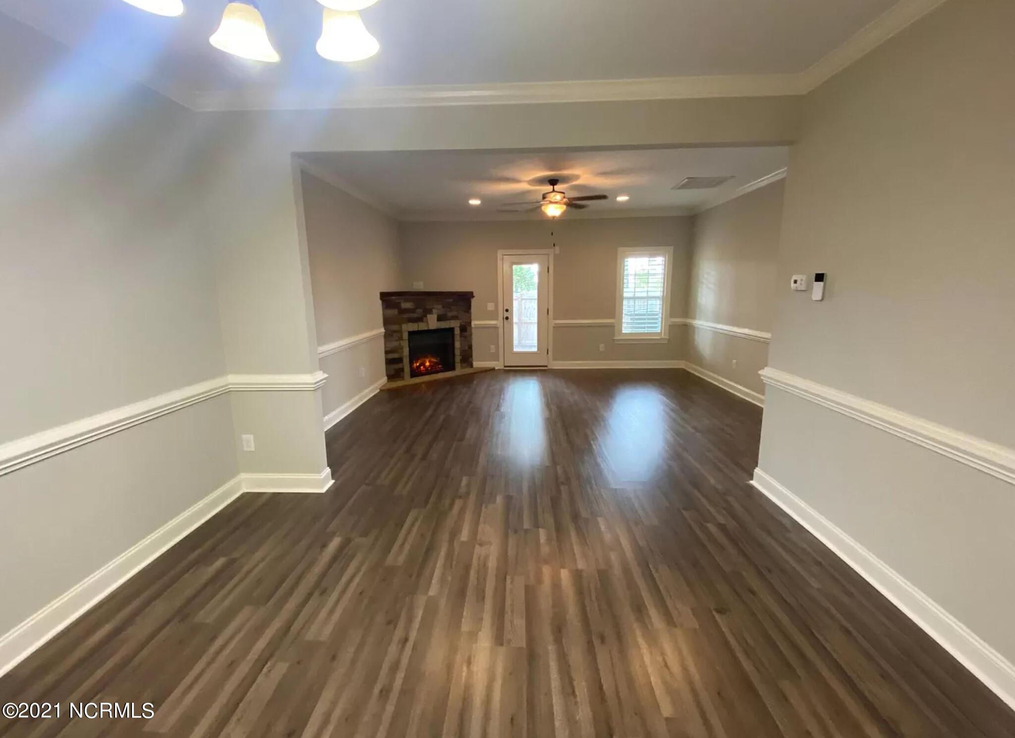 1668 Cambria Drive, Greenville, North Carolina 27834, 3 Bedrooms Bedrooms, 8 Rooms Rooms,2 BathroomsBathrooms,Townhouse,For sale,Cambria,100279078