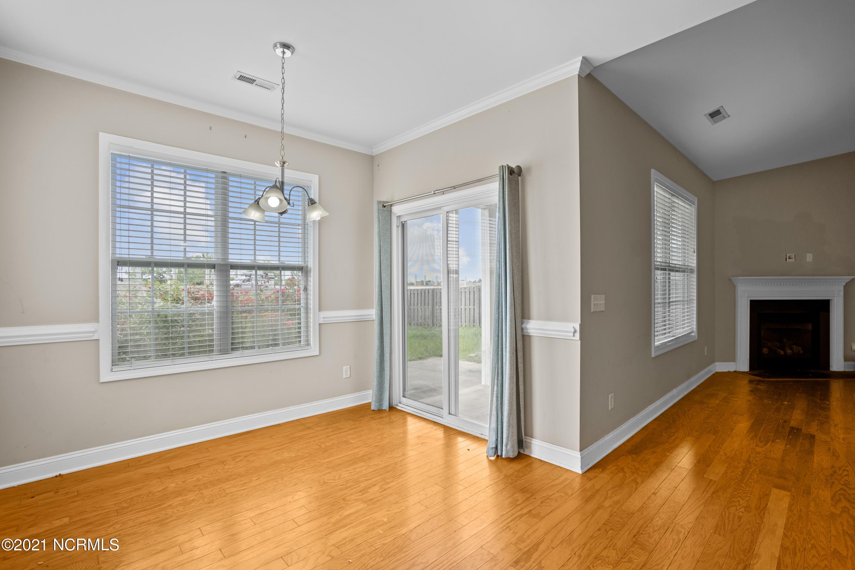 577 Montego Court, Wilmington, North Carolina 28411, 4 Bedrooms Bedrooms, 7 Rooms Rooms,2 BathroomsBathrooms,Single family residence,For sale,Montego,100279161