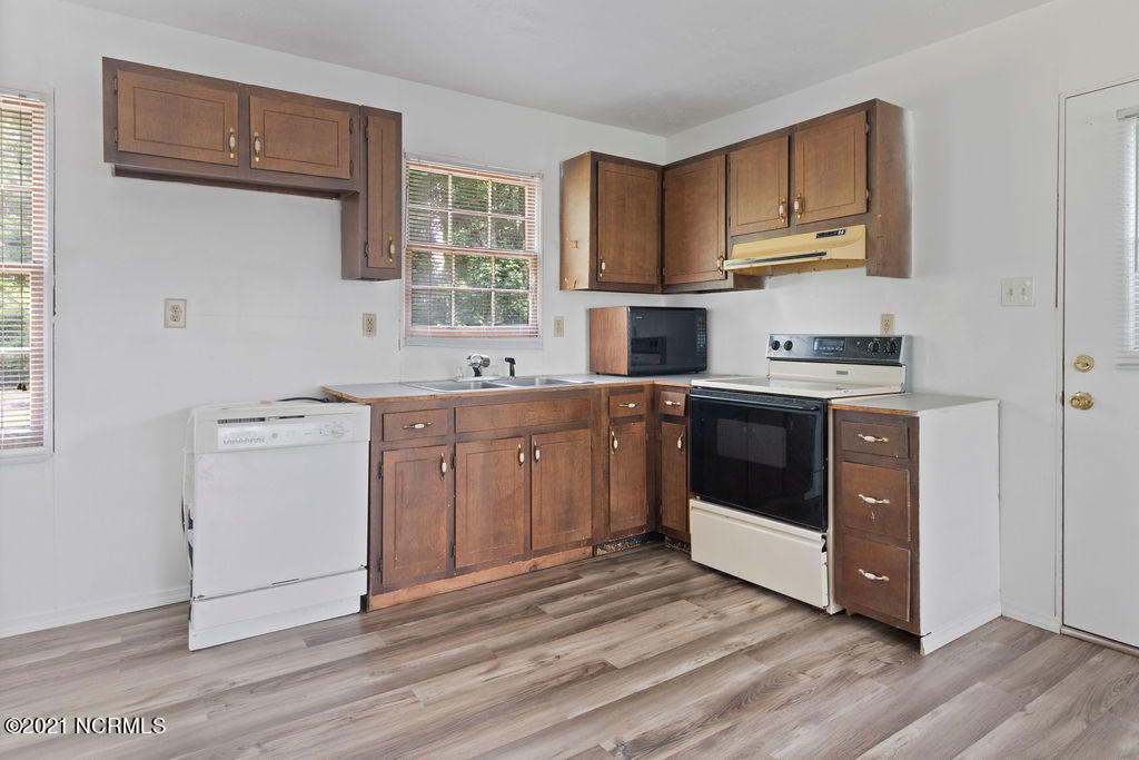 414 Williams Road, Maple Hill, North Carolina 28454, 3 Bedrooms Bedrooms, 4 Rooms Rooms,2 BathroomsBathrooms,Single family residence,For sale,Williams,100279153