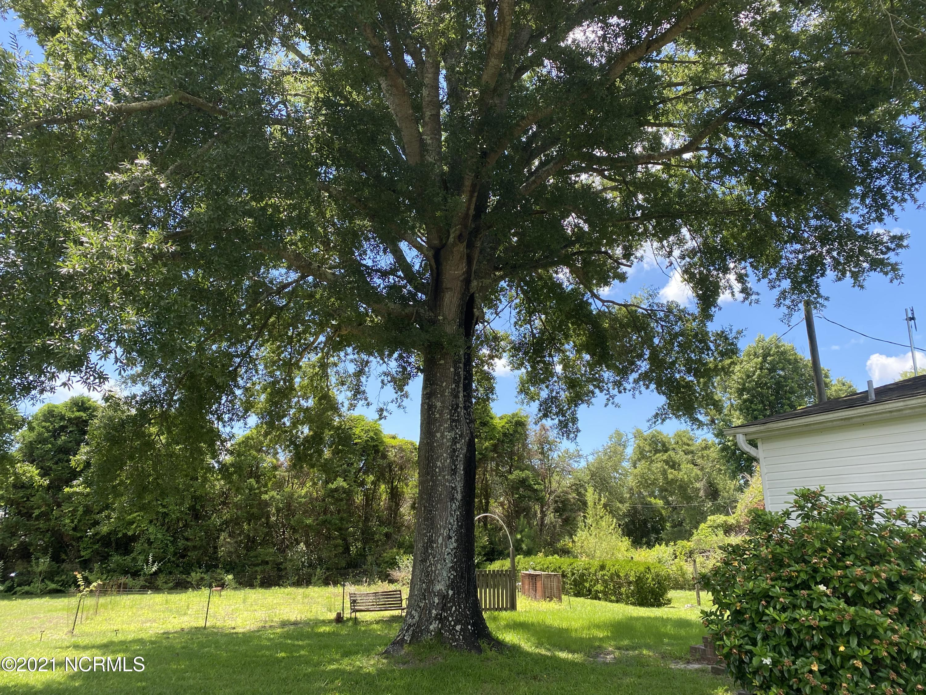 2645 Scotts Hill Loop Road, Wilmington, North Carolina 28411, 3 Bedrooms Bedrooms, 7 Rooms Rooms,2 BathroomsBathrooms,Single family residence,For sale,Scotts Hill Loop,100279209