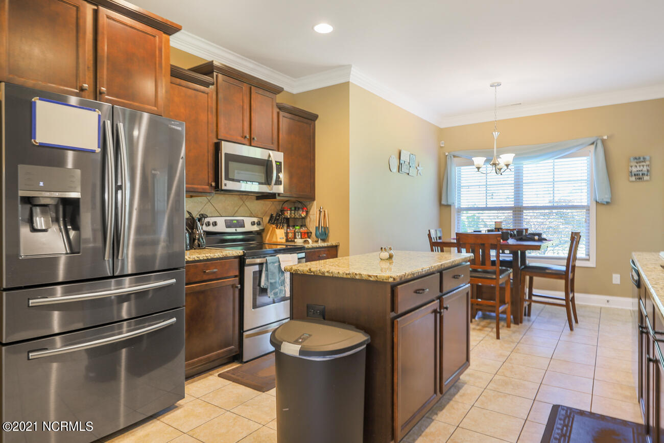 4858 Sugarberry Drive, Shallotte, North Carolina 28470, 5 Bedrooms Bedrooms, 8 Rooms Rooms,4 BathroomsBathrooms,Single family residence,For sale,Sugarberry,100279408