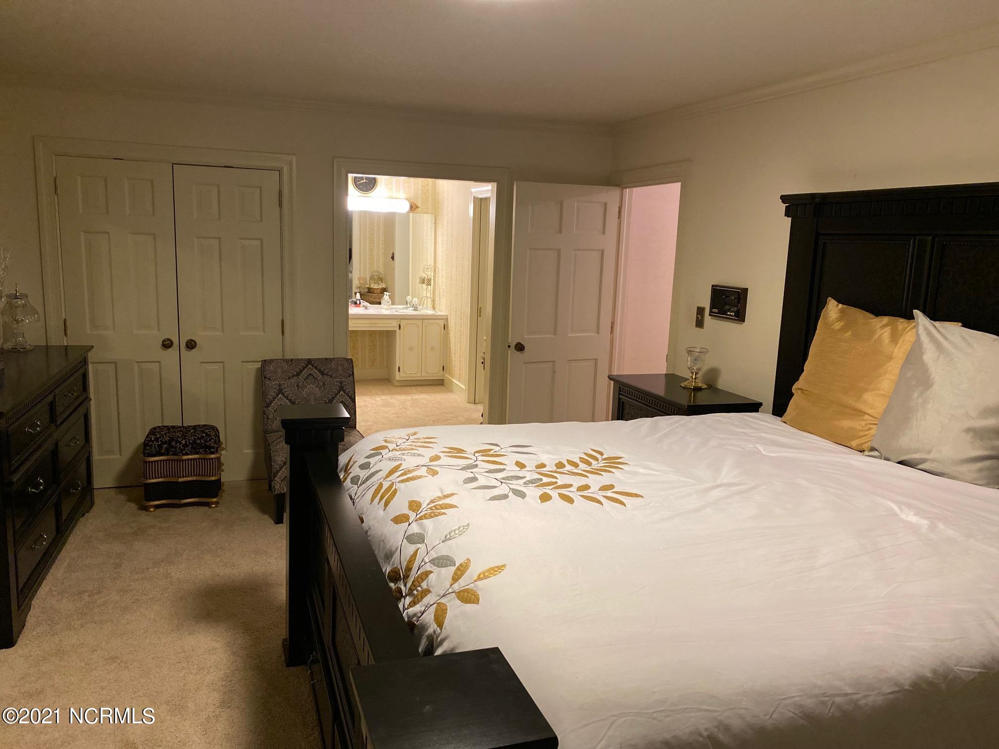 1107 Brookside Drive, Wilson, North Carolina 27896, 4 Bedrooms Bedrooms, 9 Rooms Rooms,4 BathroomsBathrooms,Single family residence,For sale,Brookside,100279451