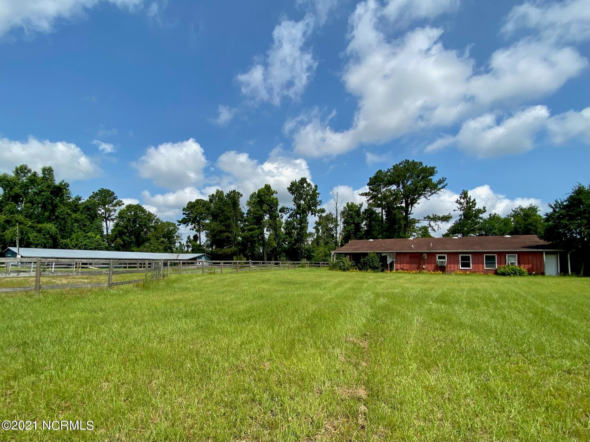 970 Moore Town Road, Rocky Point, North Carolina 28457, 8 Bedrooms Bedrooms, 23 Rooms Rooms,7 BathroomsBathrooms,Single family residence,For sale,Moore Town,100279316