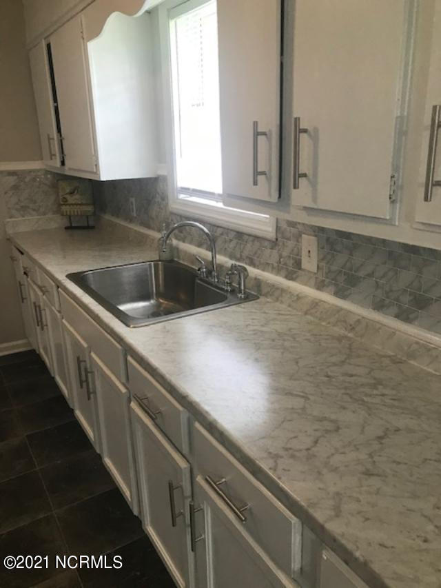 100 Lindsey Drive, Jacksonville, North Carolina 28540, 3 Bedrooms Bedrooms, 7 Rooms Rooms,2 BathroomsBathrooms,Single family residence,For sale,Lindsey,100279781