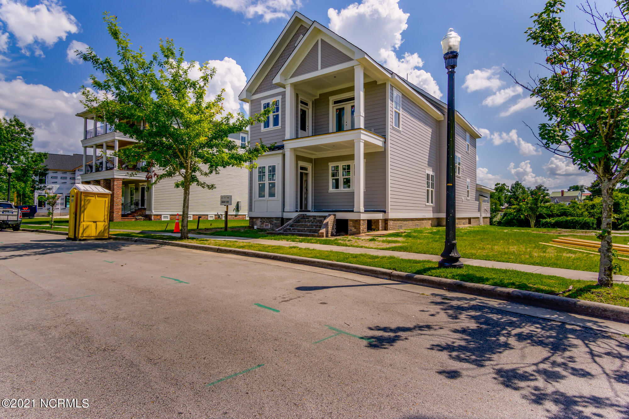 811 Front Street, New Bern, North Carolina 28560, 3 Bedrooms Bedrooms, 9 Rooms Rooms,3 BathroomsBathrooms,Single family residence,For sale,Front,100255611