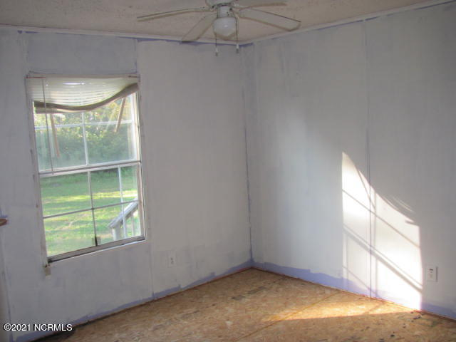 208 McKae Drive, Gloucester, North Carolina 28528, 3 Bedrooms Bedrooms, 6 Rooms Rooms,2 BathroomsBathrooms,Manufactured home,For sale,McKae,100281374
