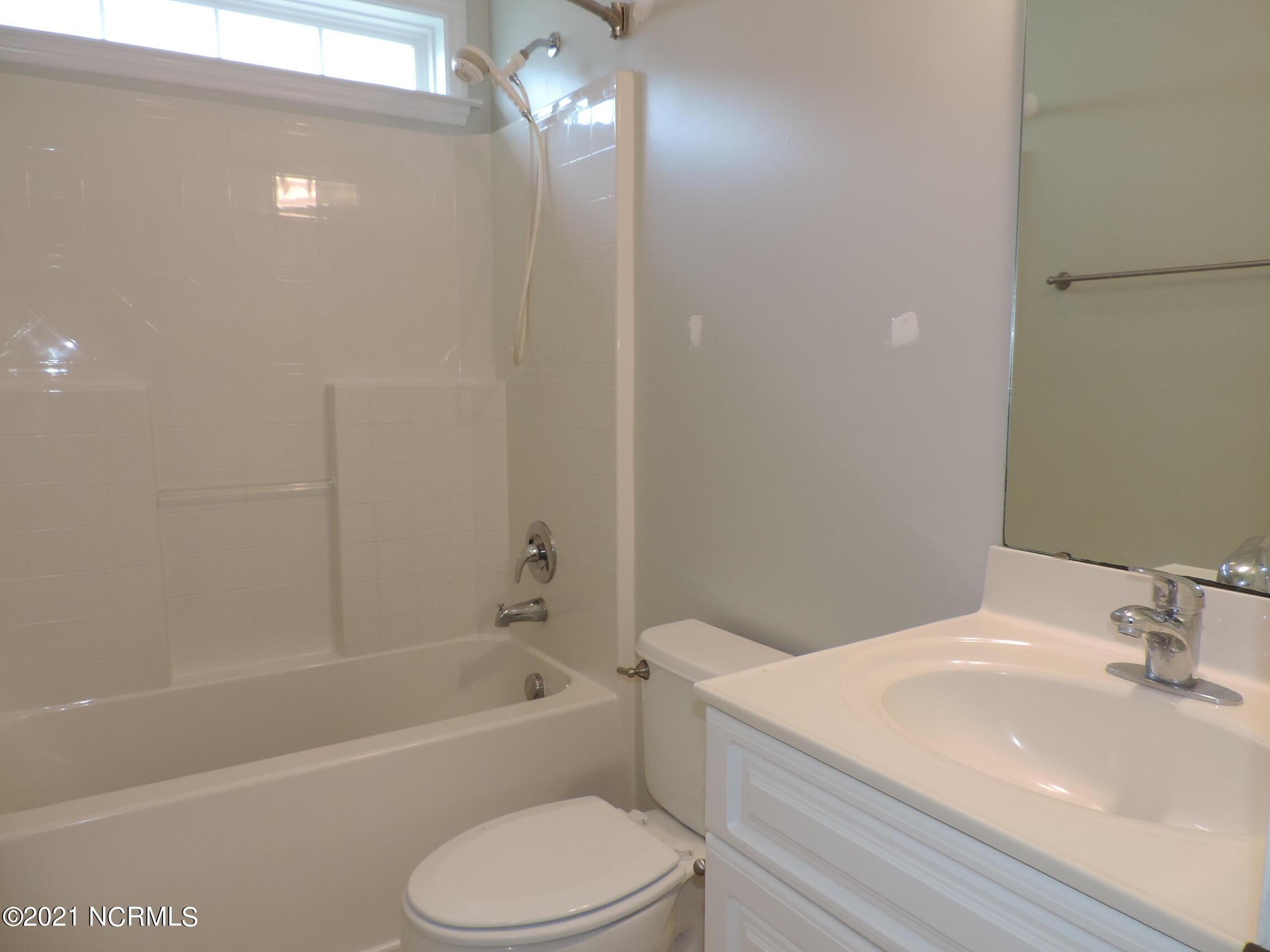 128 Bermuda View, New Bern, North Carolina 28560, 3 Bedrooms Bedrooms, 7 Rooms Rooms,2 BathroomsBathrooms,Single family residence,For sale,Bermuda,100275097