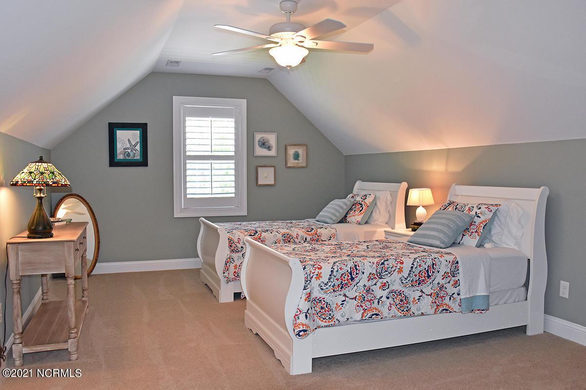 109 Highland Park Avenue, Southport, North Carolina 28461, 4 Bedrooms Bedrooms, 9 Rooms Rooms,2 BathroomsBathrooms,Single family residence,For sale,Highland Park,100281928