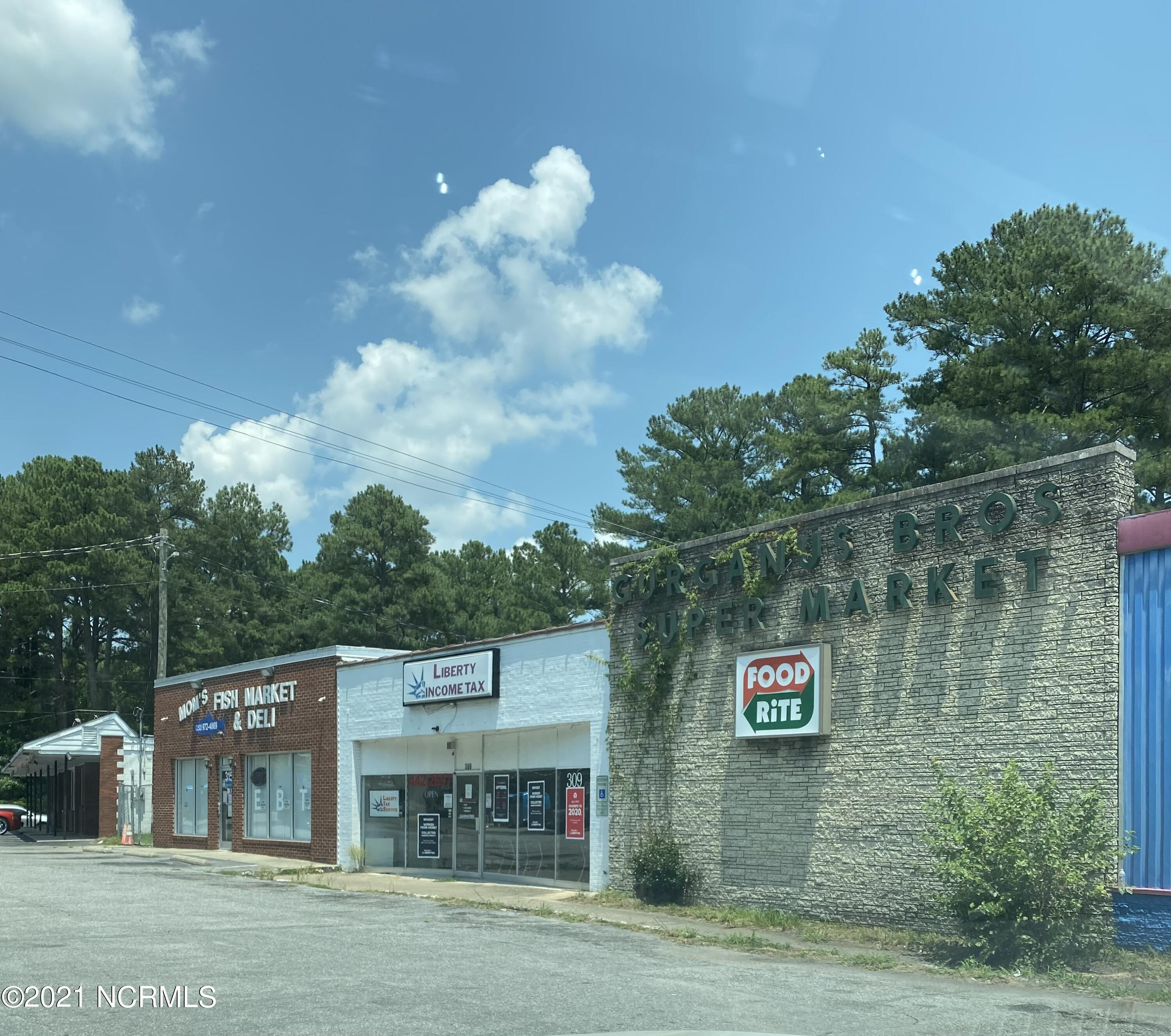 301 Fairview Road, Rocky Mount, North Carolina 27801, ,For sale,Fairview,100278391