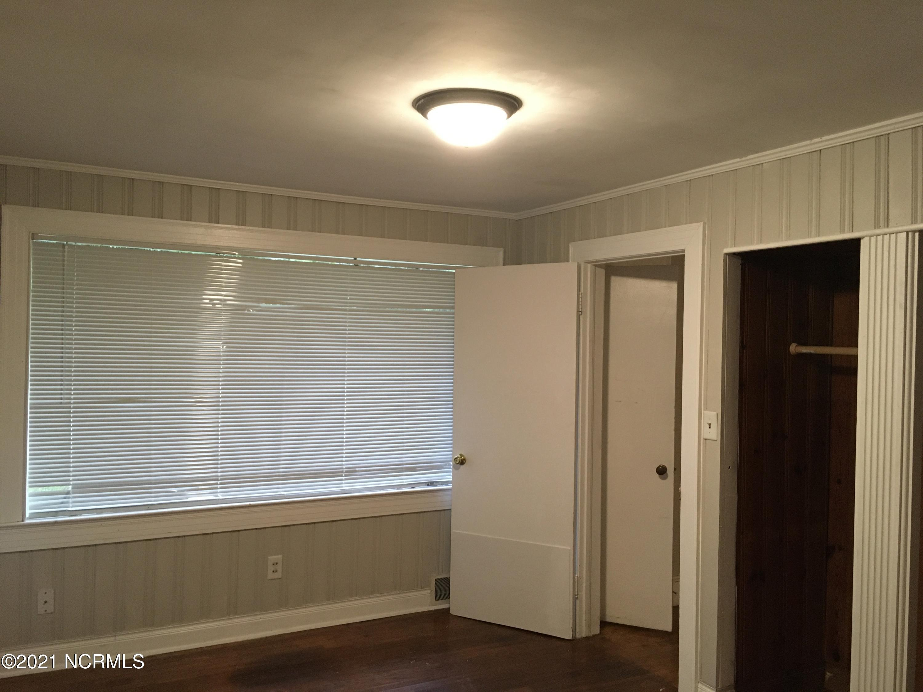 2409 4th Street, Greenville, North Carolina 27858, 3 Bedrooms Bedrooms, 5 Rooms Rooms,1 BathroomBathrooms,Single family residence,For sale,4th,100167843