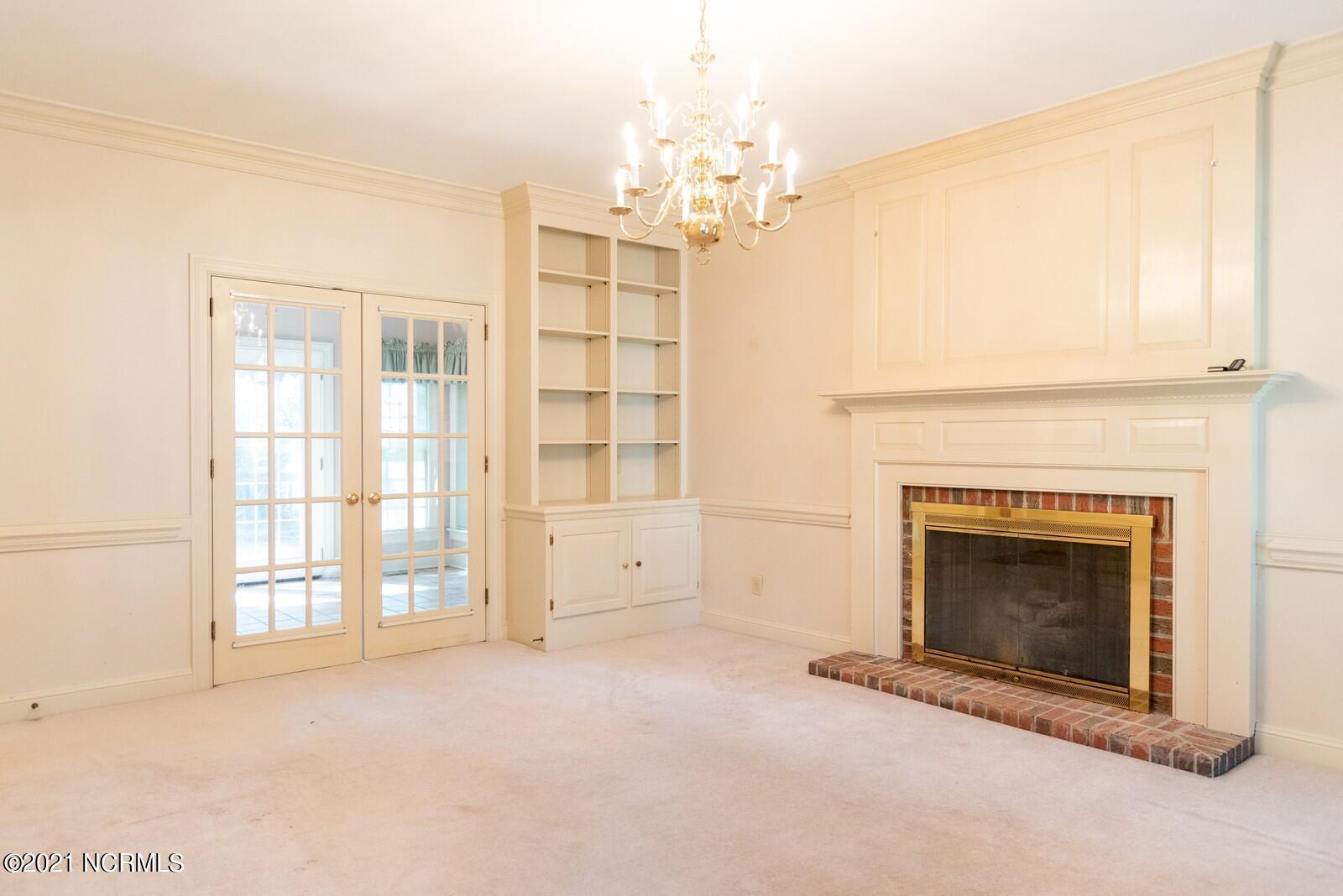 913 Rollingwood Drive, Wilson, North Carolina 27896, 3 Bedrooms Bedrooms, 8 Rooms Rooms,2 BathroomsBathrooms,Single family residence,For sale,Rollingwood,100282691