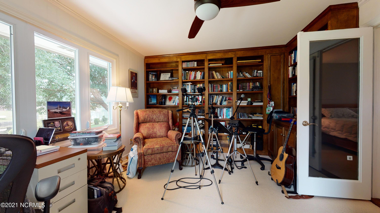 6104 Pelican Drive, New Bern, North Carolina 28560, 3 Bedrooms Bedrooms, 8 Rooms Rooms,2 BathroomsBathrooms,Single family residence,For sale,Pelican,100284408