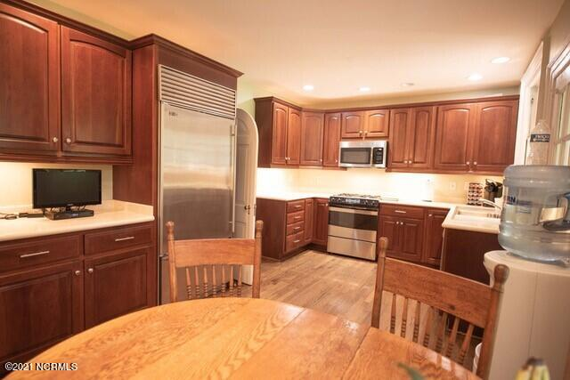 721 Forest Hills Drive, Wilmington, North Carolina 28403, 5 Bedrooms Bedrooms, 11 Rooms Rooms,4 BathroomsBathrooms,Single family residence,For sale,Forest Hills,100283308