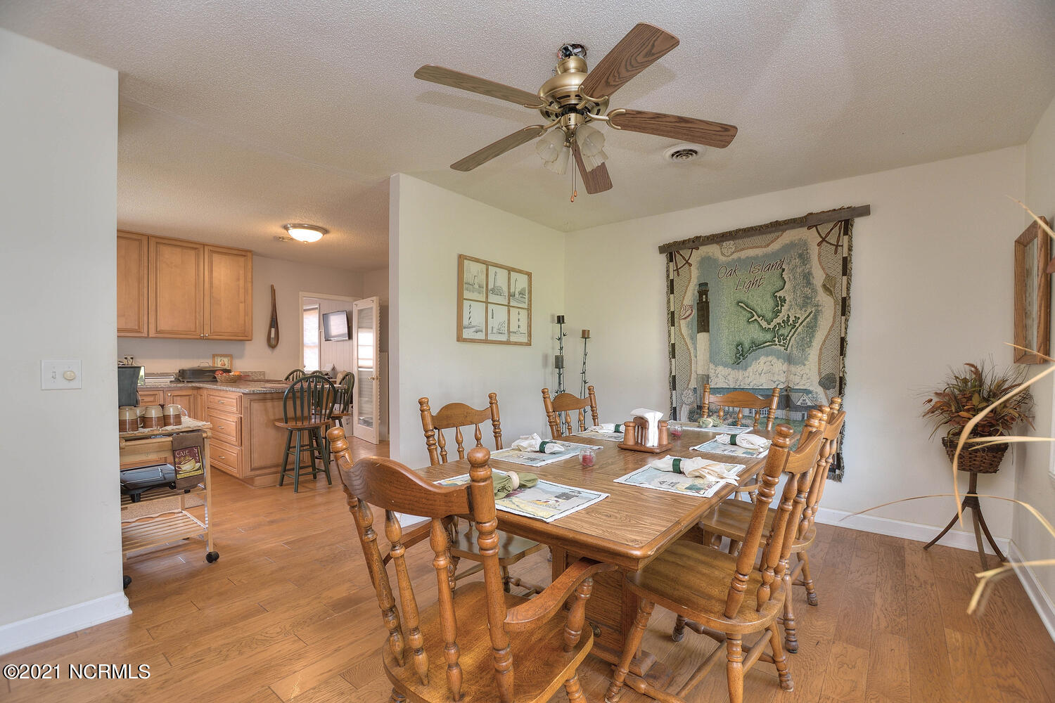 142 37th Street, Oak Island, North Carolina 28465, 3 Bedrooms Bedrooms, 6 Rooms Rooms,4 BathroomsBathrooms,Single family residence,For sale,37th,100285698