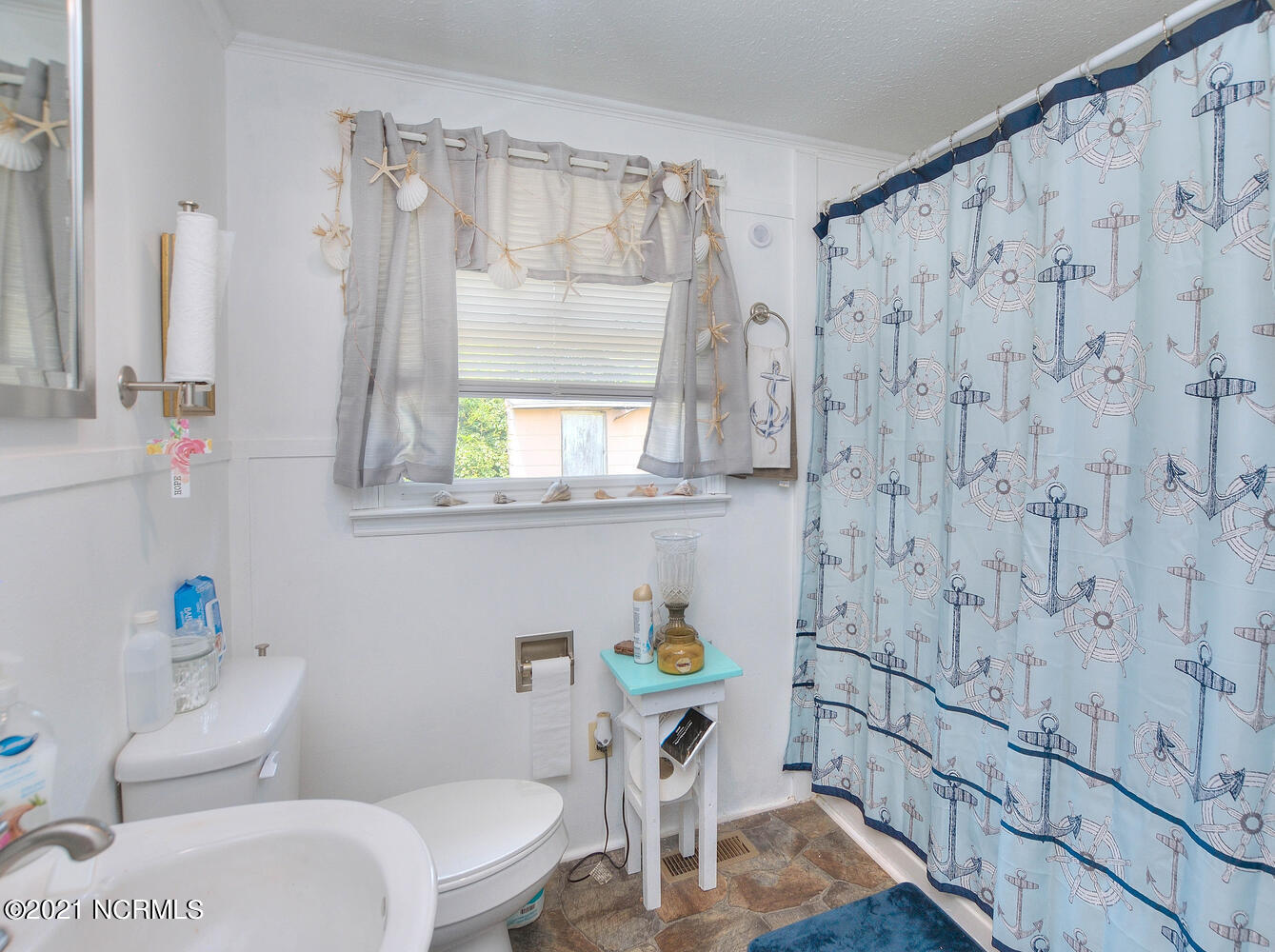 307 49th Street, Oak Island, North Carolina 28465, 2 Bedrooms Bedrooms, 5 Rooms Rooms,1 BathroomBathrooms,Single family residence,For sale,49th,100284361
