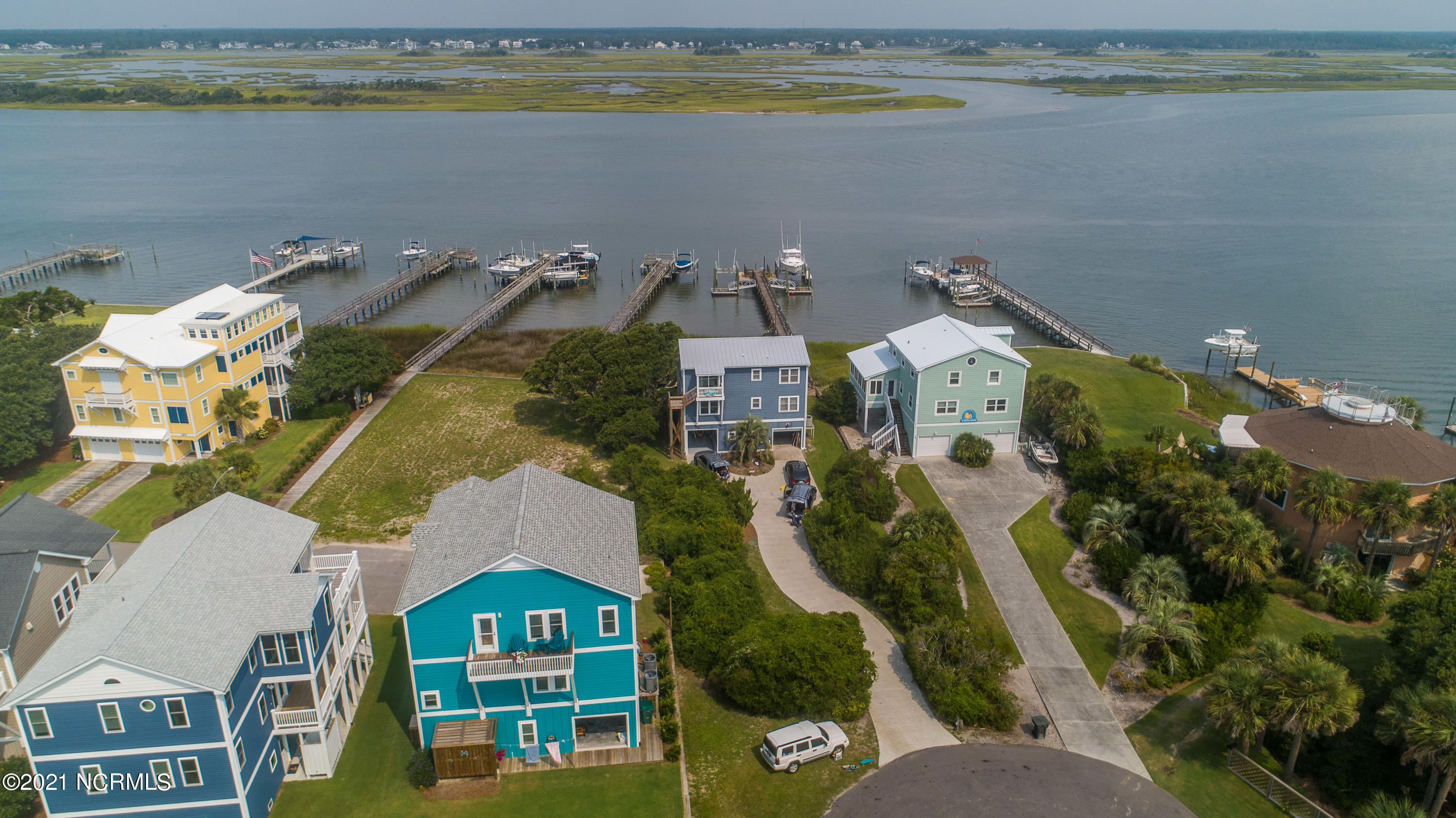 7 Banks Channel, Topsail Beach, North Carolina 28445, 3 Bedrooms Bedrooms, 7 Rooms Rooms,3 BathroomsBathrooms,Single family residence,For sale,Banks Channel,100285237