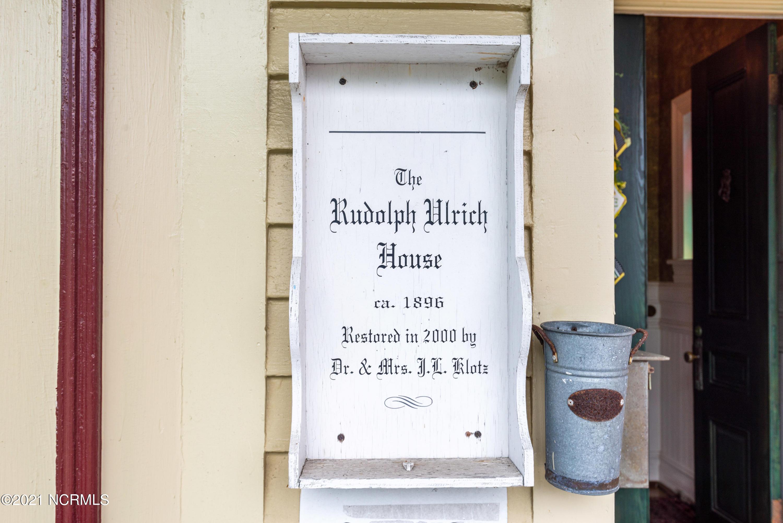 218 Pollock Street, New Bern, North Carolina 28560, 6 Bedrooms Bedrooms, 10 Rooms Rooms,6 BathroomsBathrooms,Single family residence,For sale,Pollock,100284422