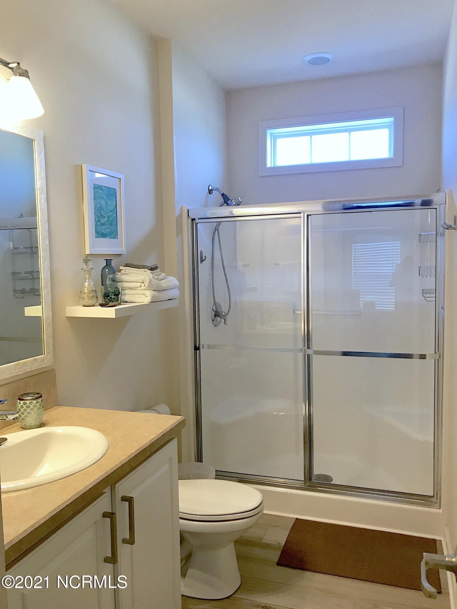 619 Ocean Drive, North Topsail Beach, North Carolina 28460, 2 Bedrooms Bedrooms, 4 Rooms Rooms,2 BathroomsBathrooms,Single family residence,For sale,Ocean,100284594