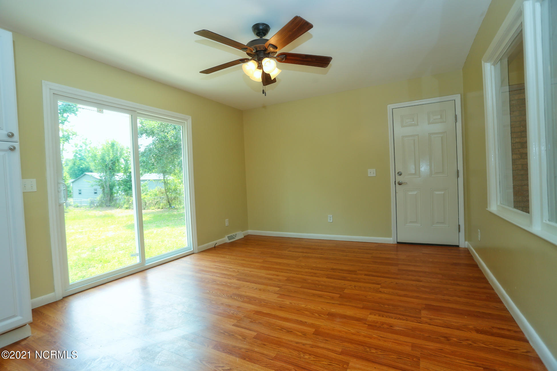 3229 College Road, Wilmington, North Carolina 28412, 3 Bedrooms Bedrooms, 6 Rooms Rooms,2 BathroomsBathrooms,Single family residence,For sale,College,100277937