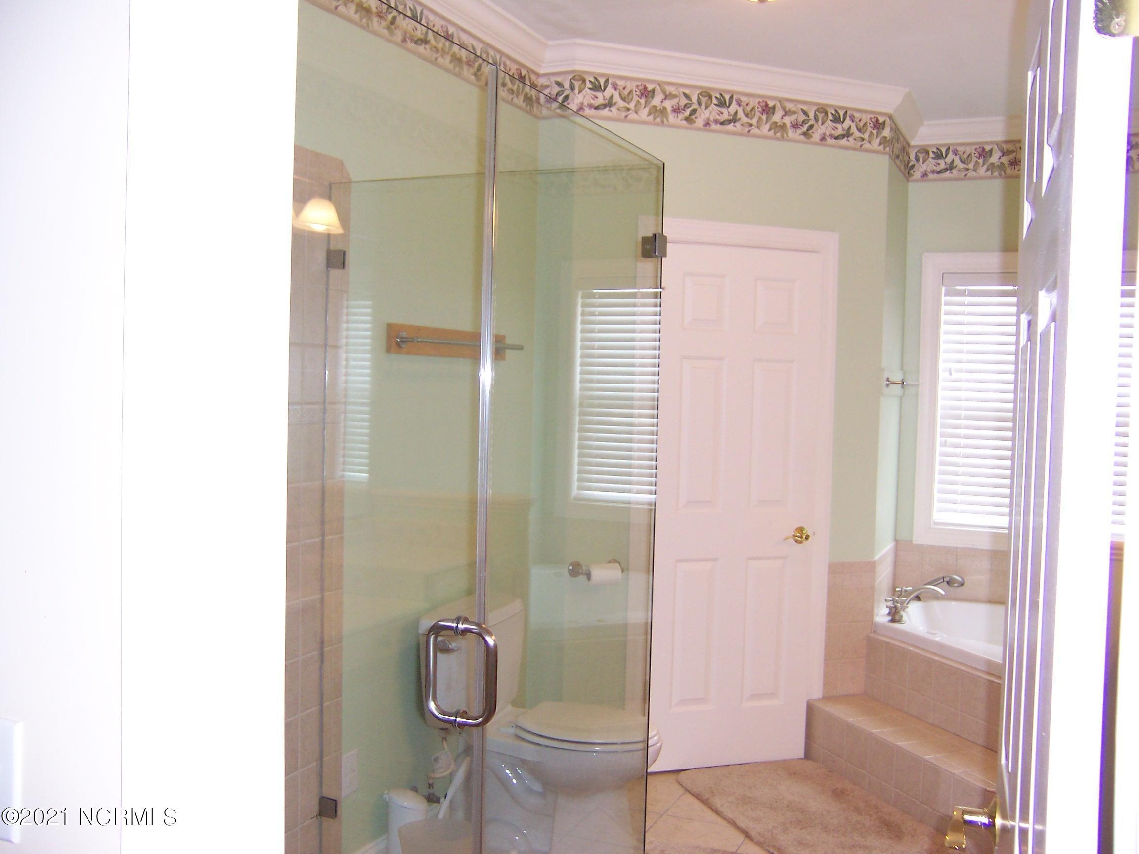 2220 Dolphin Drive, Oak Island, North Carolina 28465, 5 Bedrooms Bedrooms, 10 Rooms Rooms,3 BathroomsBathrooms,Single family residence,For sale,Dolphin,100285119