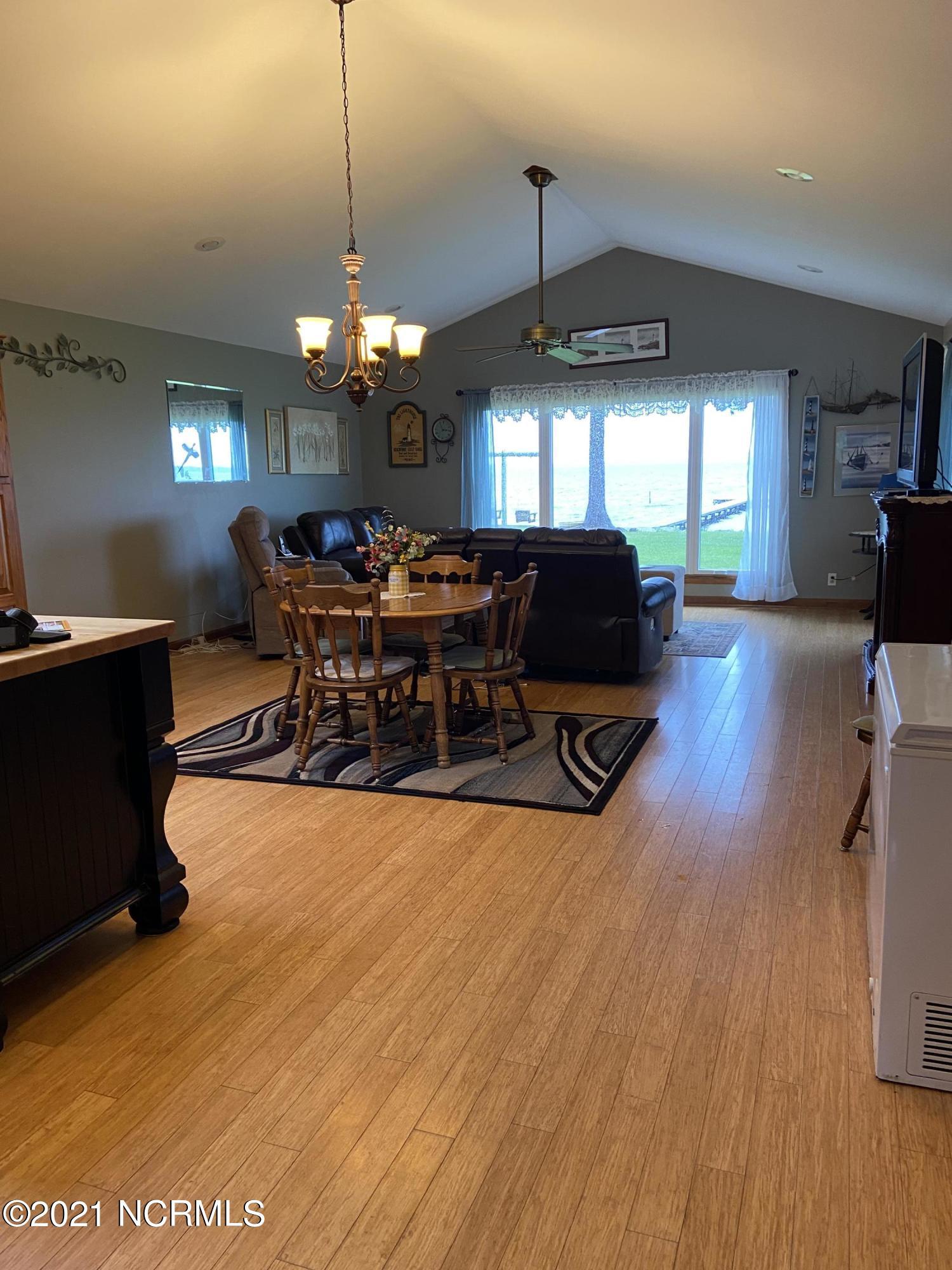 598 Ellis Cove Road, Belhaven, North Carolina 27810, 3 Bedrooms Bedrooms, 7 Rooms Rooms,2 BathroomsBathrooms,Single family residence,For sale,Ellis Cove,100284373