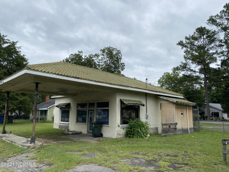 1004 Main Street, Laurinburg, North Carolina 28352, ,For sale,Main,100284557
