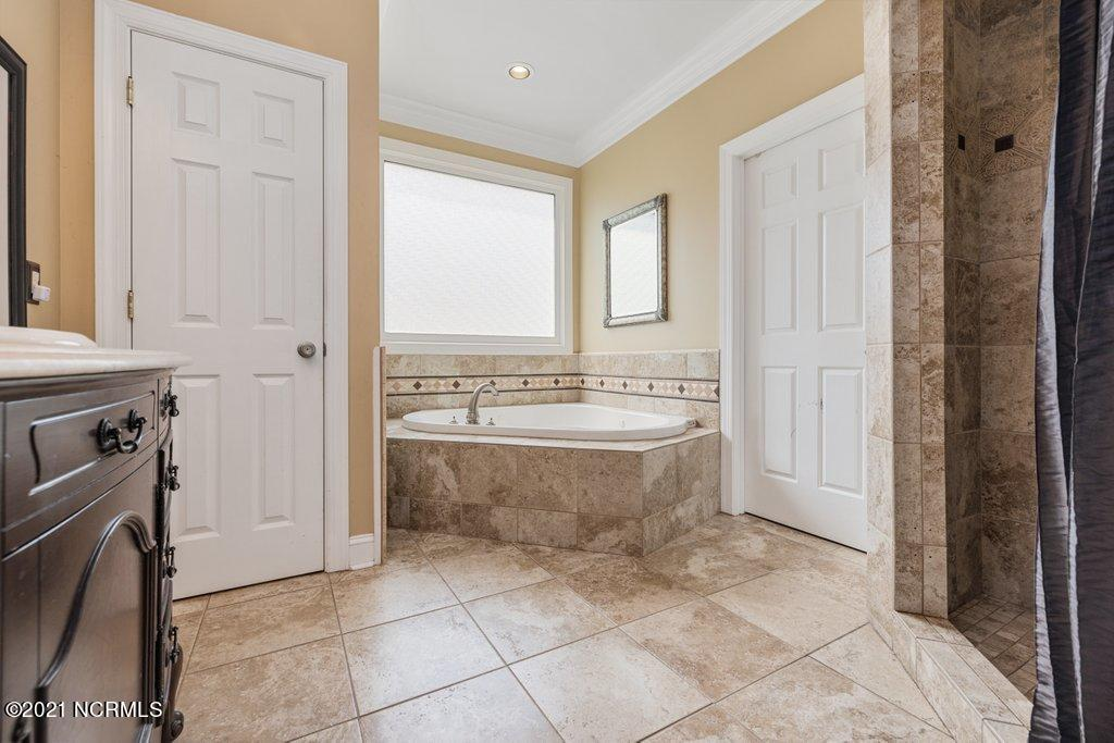 4708 Wedgefield Drive, Wilmington, North Carolina 28409, 4 Bedrooms Bedrooms, 11 Rooms Rooms,3 BathroomsBathrooms,Single family residence,For sale,Wedgefield,100284251