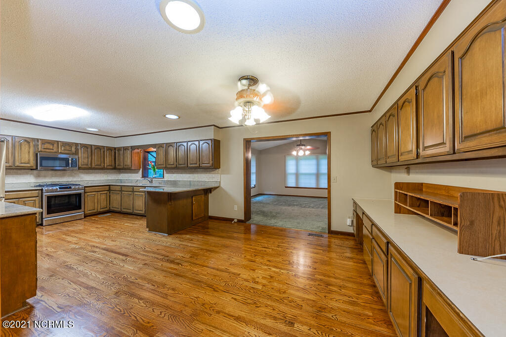 150 Victory Circle, New Bern, North Carolina 28560, 6 Bedrooms Bedrooms, 14 Rooms Rooms,2 BathroomsBathrooms,Single family residence,For sale,Victory,100284644