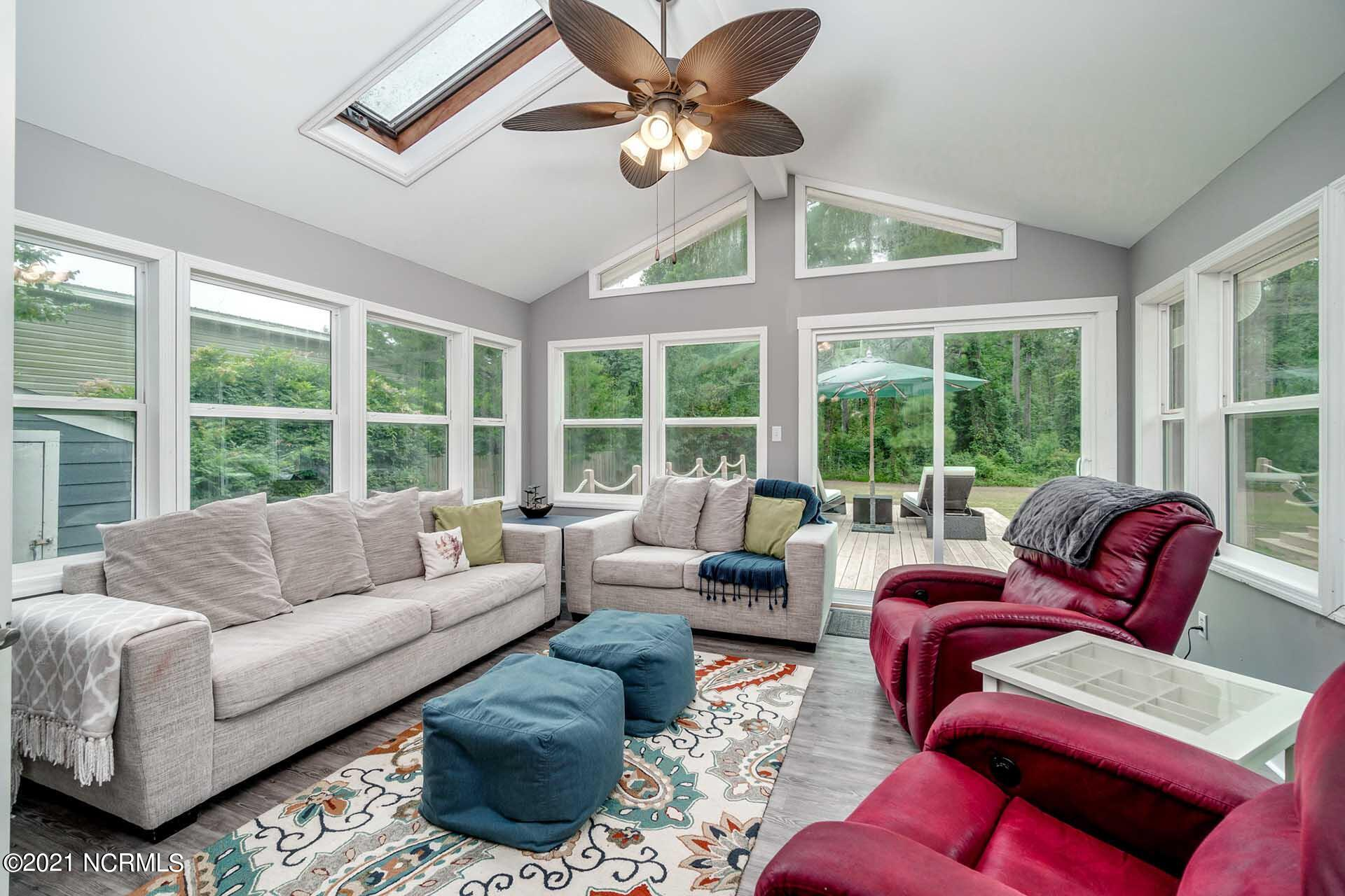 1315 Highway 101, Beaufort, North Carolina 28516, 3 Bedrooms Bedrooms, 8 Rooms Rooms,2 BathroomsBathrooms,Single family residence,For sale,Highway 101,100282950