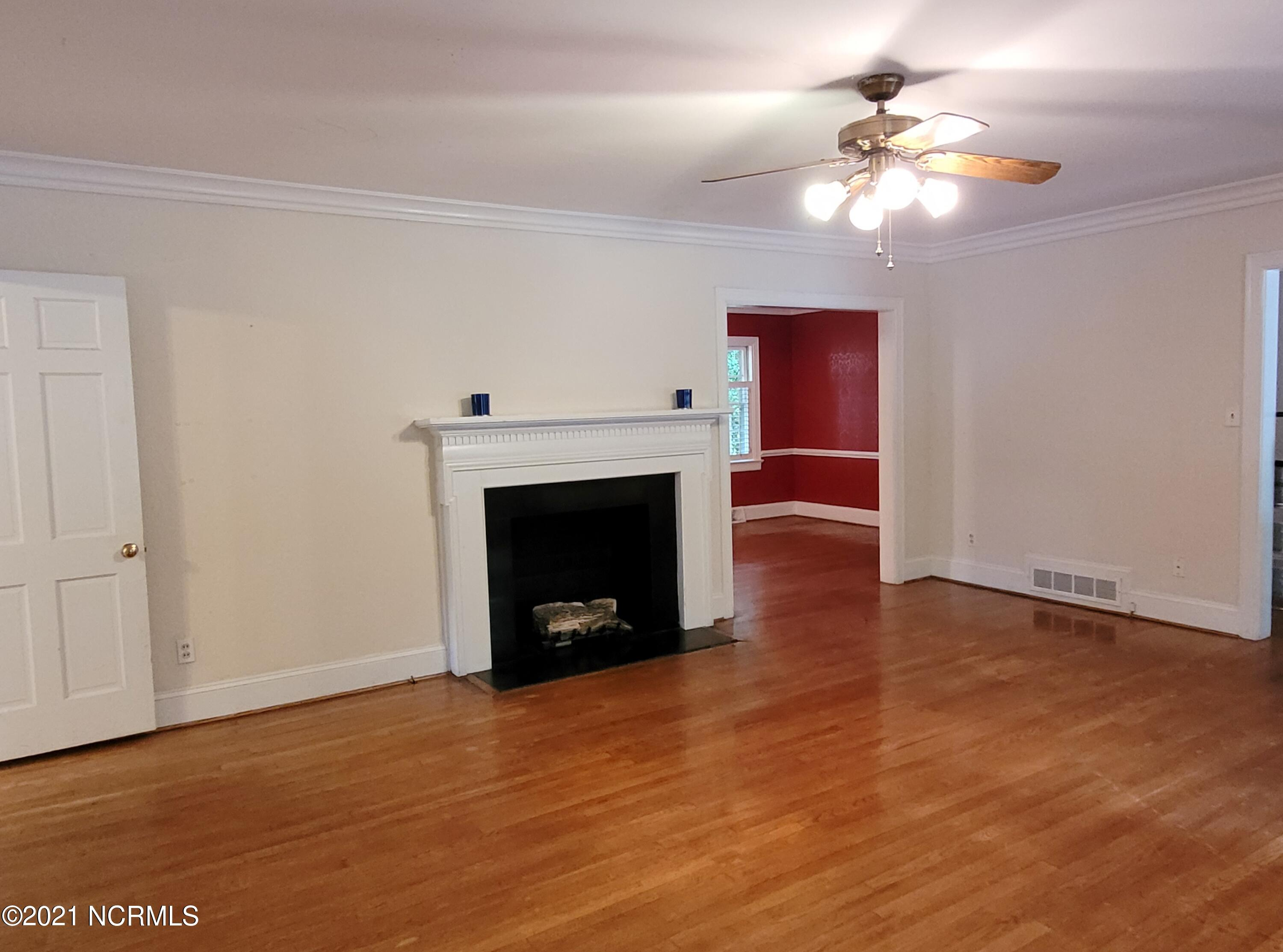 802 Forest Hill Circle, Greenville, North Carolina 27858, 3 Bedrooms Bedrooms, 7 Rooms Rooms,2 BathroomsBathrooms,Single family residence,For sale,Forest Hill,100284965