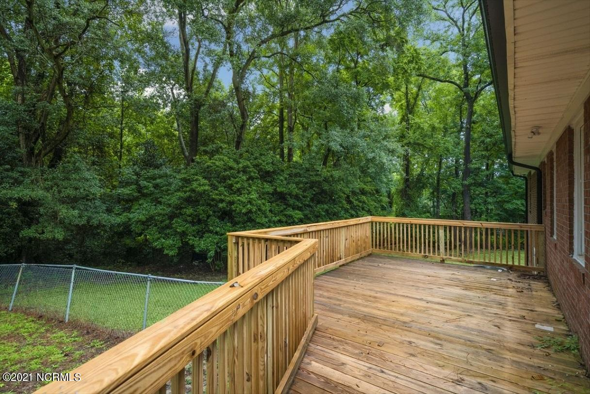 200 Greenbriar Drive, Greenville, North Carolina 27834, 4 Bedrooms Bedrooms, 9 Rooms Rooms,2 BathroomsBathrooms,Single family residence,For sale,Greenbriar,100284826