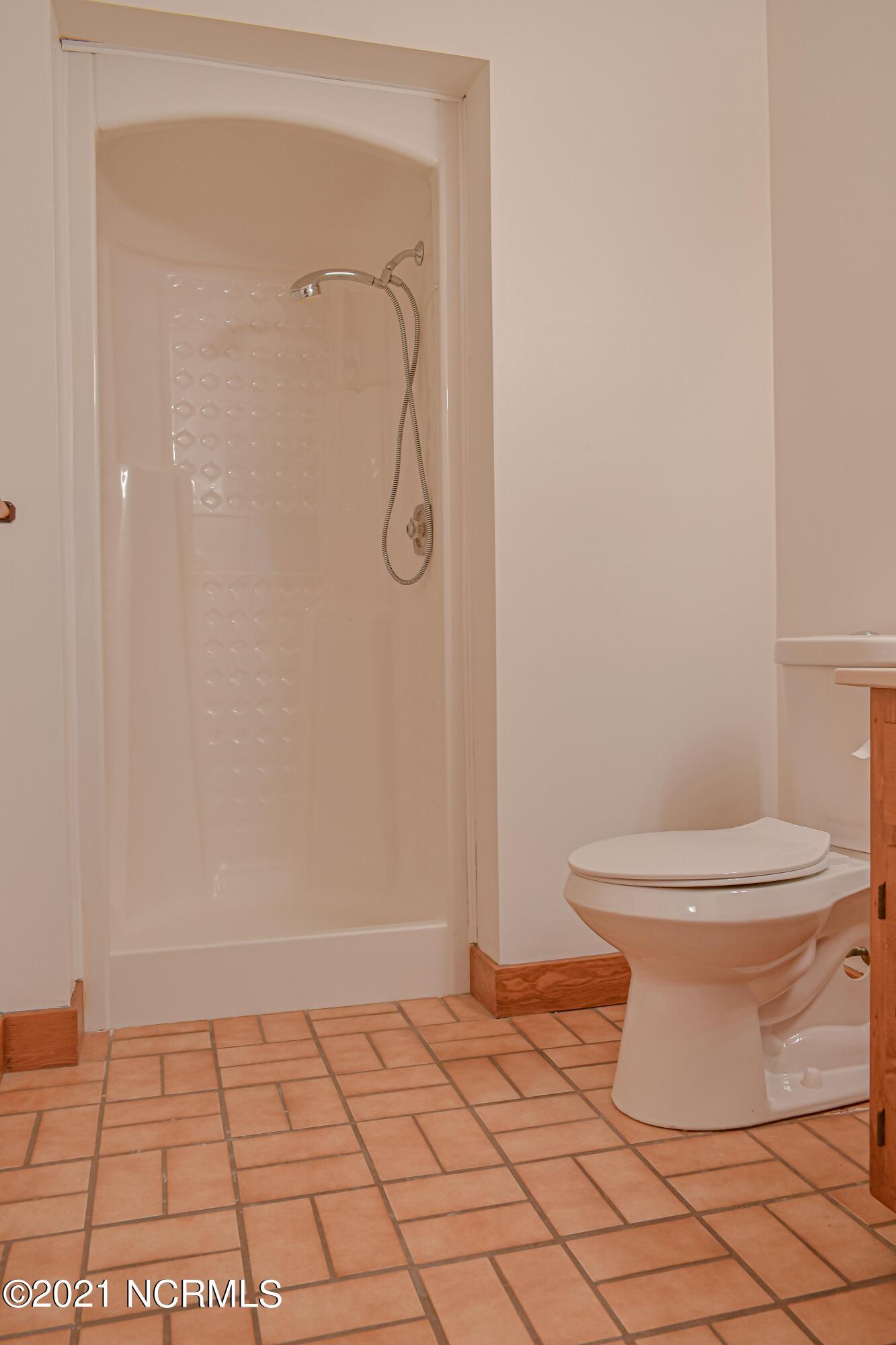 317 Nottingham Lane, Wilmington, North Carolina 28409, 4 Bedrooms Bedrooms, 8 Rooms Rooms,3 BathroomsBathrooms,Single family residence,For sale,Nottingham,100284882