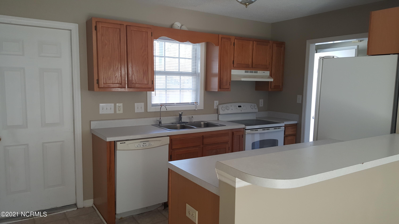 204 Glenwood Drive, Hubert, North Carolina 28539, 3 Bedrooms Bedrooms, 6 Rooms Rooms,2 BathroomsBathrooms,Single family residence,For sale,Glenwood,100284929