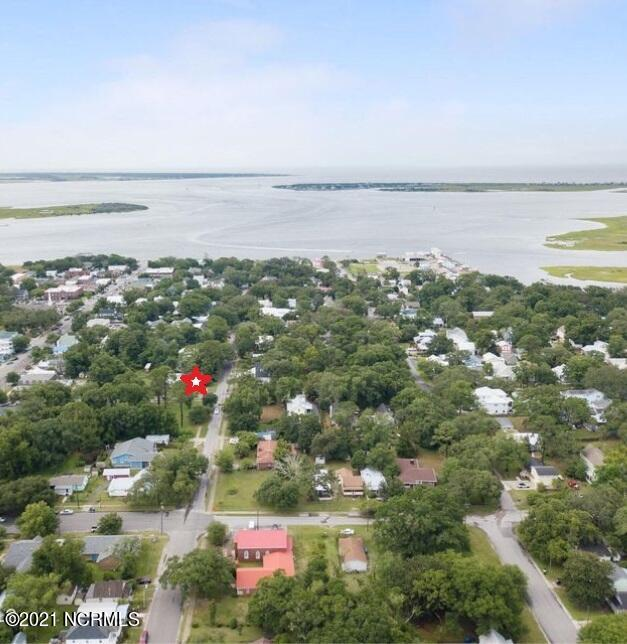 320 Lord Street, Southport, North Carolina 28461, 3 Bedrooms Bedrooms, 5 Rooms Rooms,2 BathroomsBathrooms,Single family residence,For sale,Lord,100284949