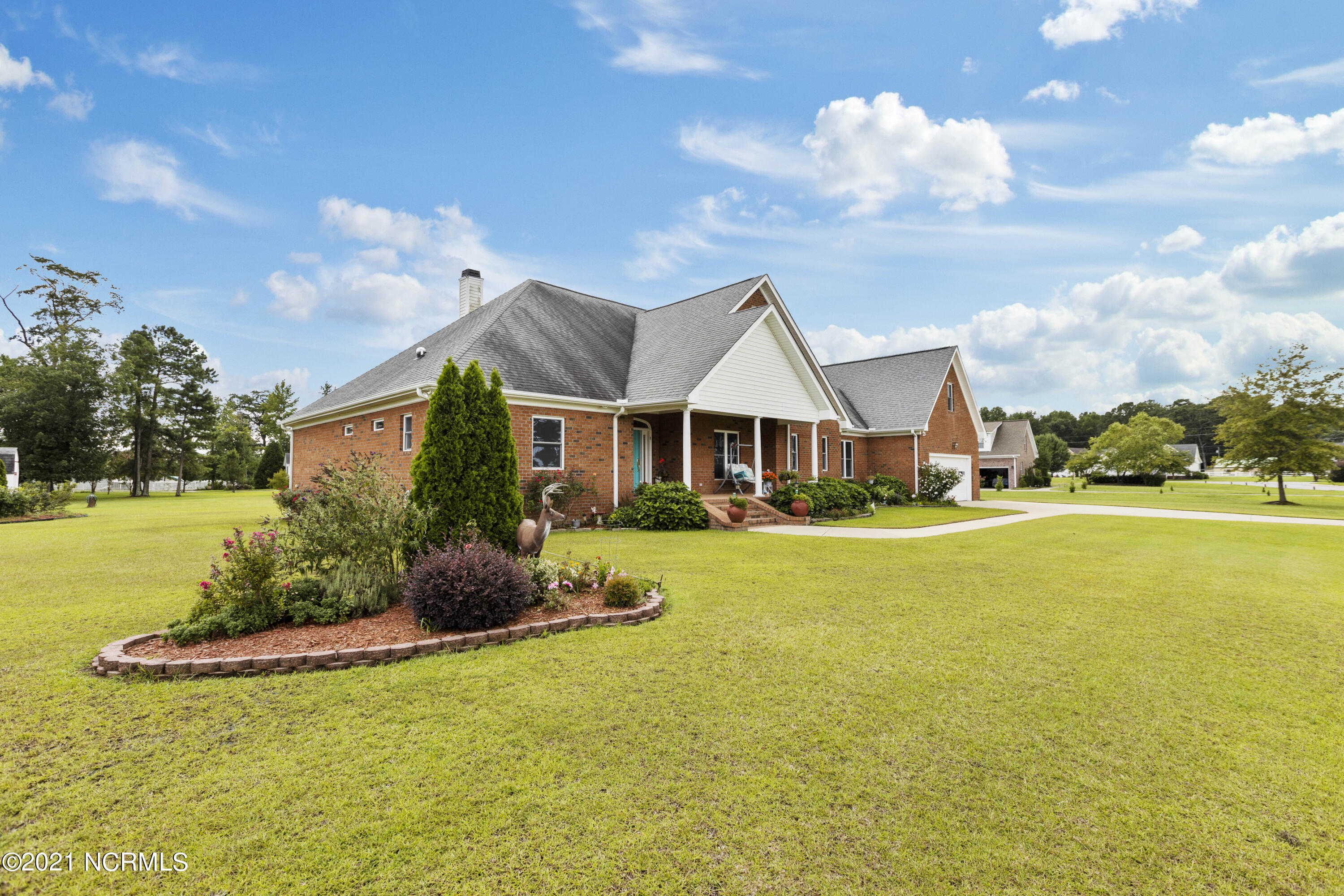 1326 Fox Hollow Drive, Ayden, North Carolina 28513, 3 Bedrooms Bedrooms, 9 Rooms Rooms,3 BathroomsBathrooms,Single family residence,For sale,Fox Hollow,100283165