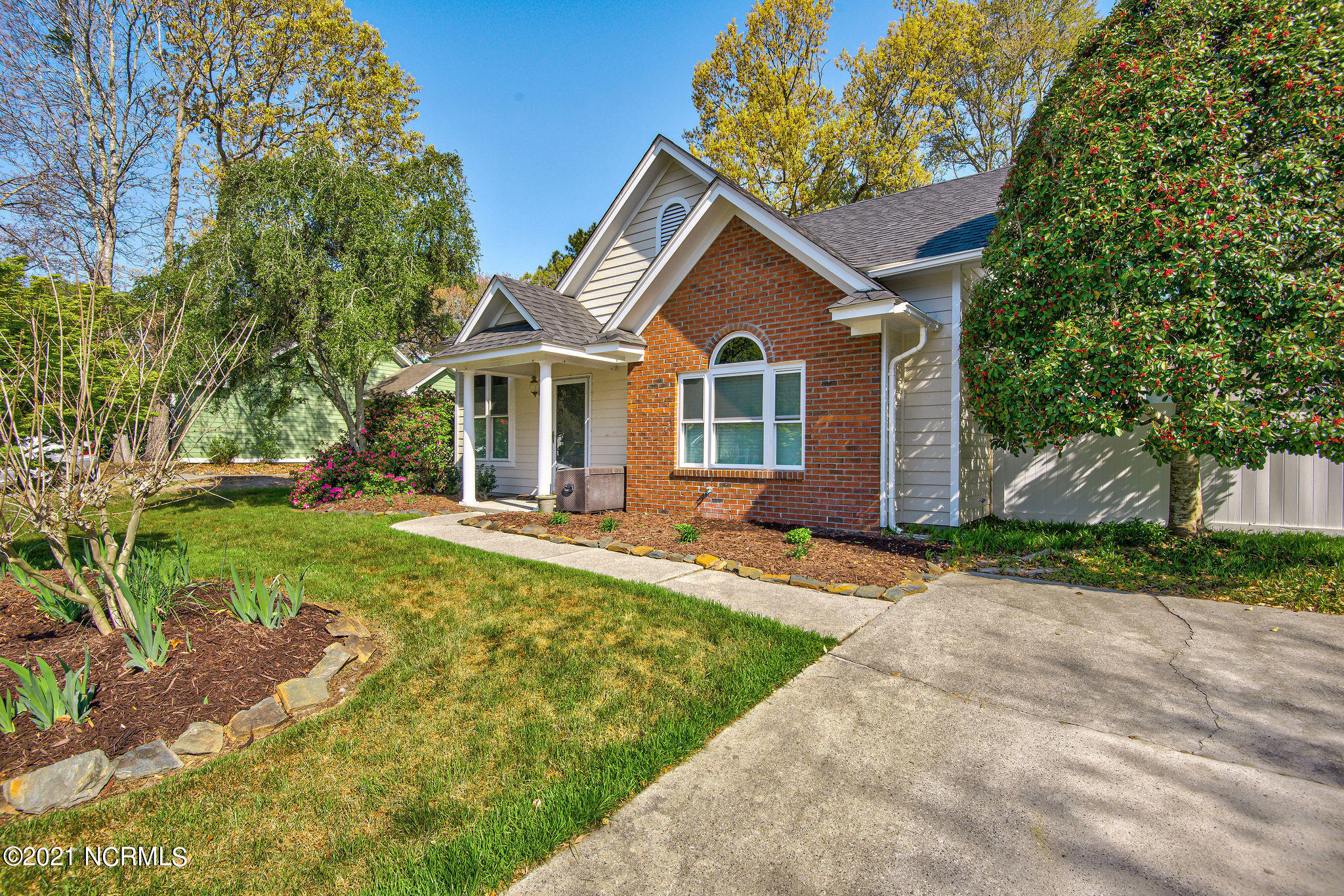 1411 Faulkenberry Road, Wilmington, North Carolina 28409, 3 Bedrooms Bedrooms, 7 Rooms Rooms,2 BathroomsBathrooms,Single family residence,For sale,Faulkenberry,100285038