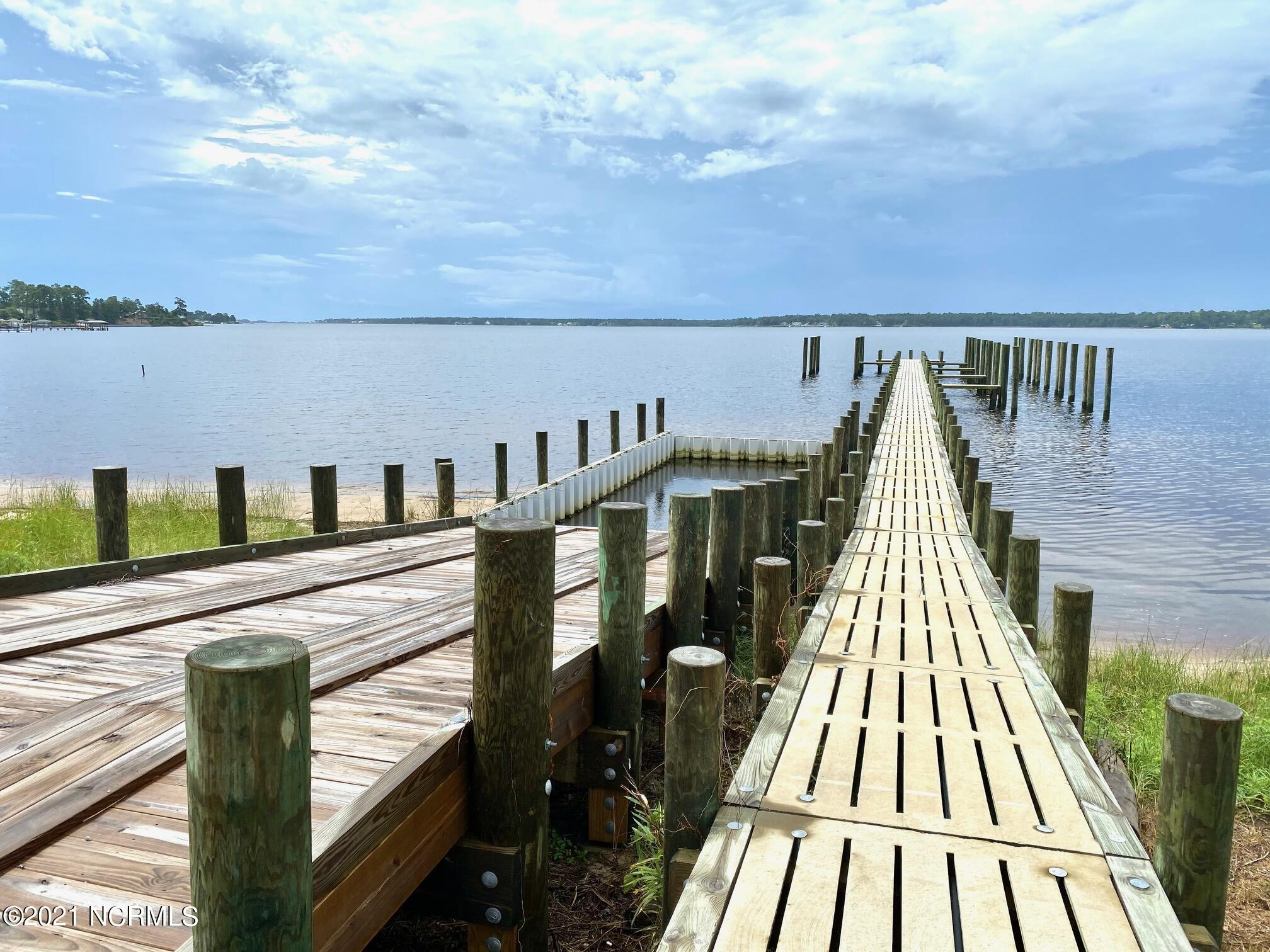 Community Dock and Boat Ramp