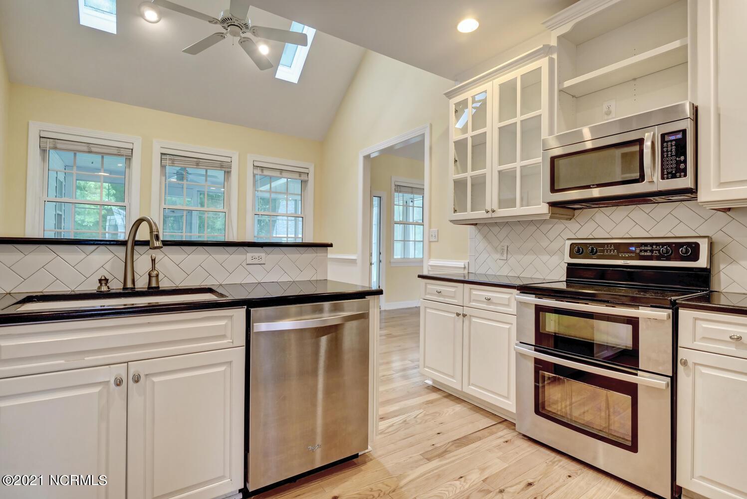705 Columbia Avenue, Carolina Beach, North Carolina 28428, 4 Bedrooms Bedrooms, 10 Rooms Rooms,3 BathroomsBathrooms,Single family residence,For sale,Columbia,100285088