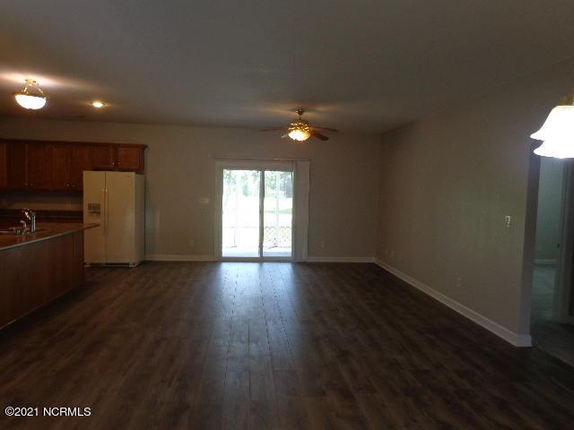 1385 Blue Creek Road, Jacksonville, North Carolina 28540, 3 Bedrooms Bedrooms, 6 Rooms Rooms,2 BathroomsBathrooms,Single family residence,For sale,Blue Creek,100285212