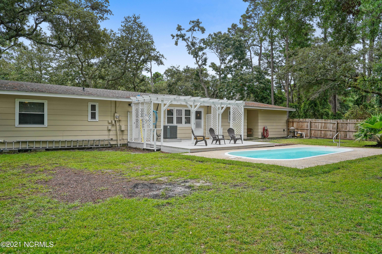 1 Augusta Drive, Oak Island, North Carolina 28465, 3 Bedrooms Bedrooms, 6 Rooms Rooms,2 BathroomsBathrooms,Single family residence,For sale,Augusta,100285267