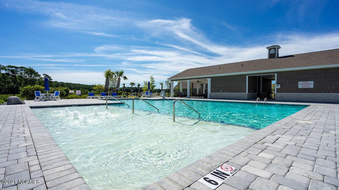 635 Silos Way, Carolina Shores, North Carolina 28467, 4 Bedrooms Bedrooms, 9 Rooms Rooms,3 BathroomsBathrooms,Single family residence,For sale,Silos,100285250