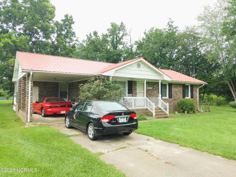 1205 Old Lumberton Road, Whiteville, North Carolina 28472, 3 Bedrooms Bedrooms, 5 Rooms Rooms,1 BathroomBathrooms,Single family residence,For sale,Old Lumberton,100285269