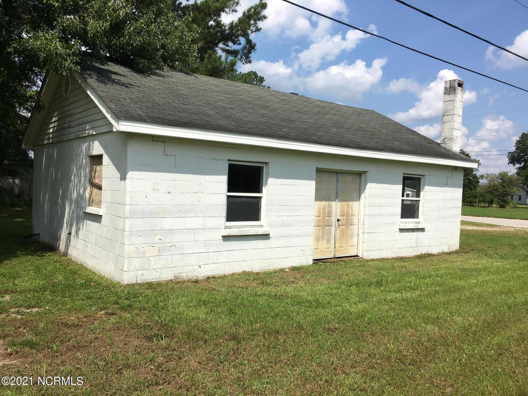 203 West Street, Dover, North Carolina 28526, 3 Bedrooms Bedrooms, 5 Rooms Rooms,1 BathroomBathrooms,Single family residence,For sale,West,100285288