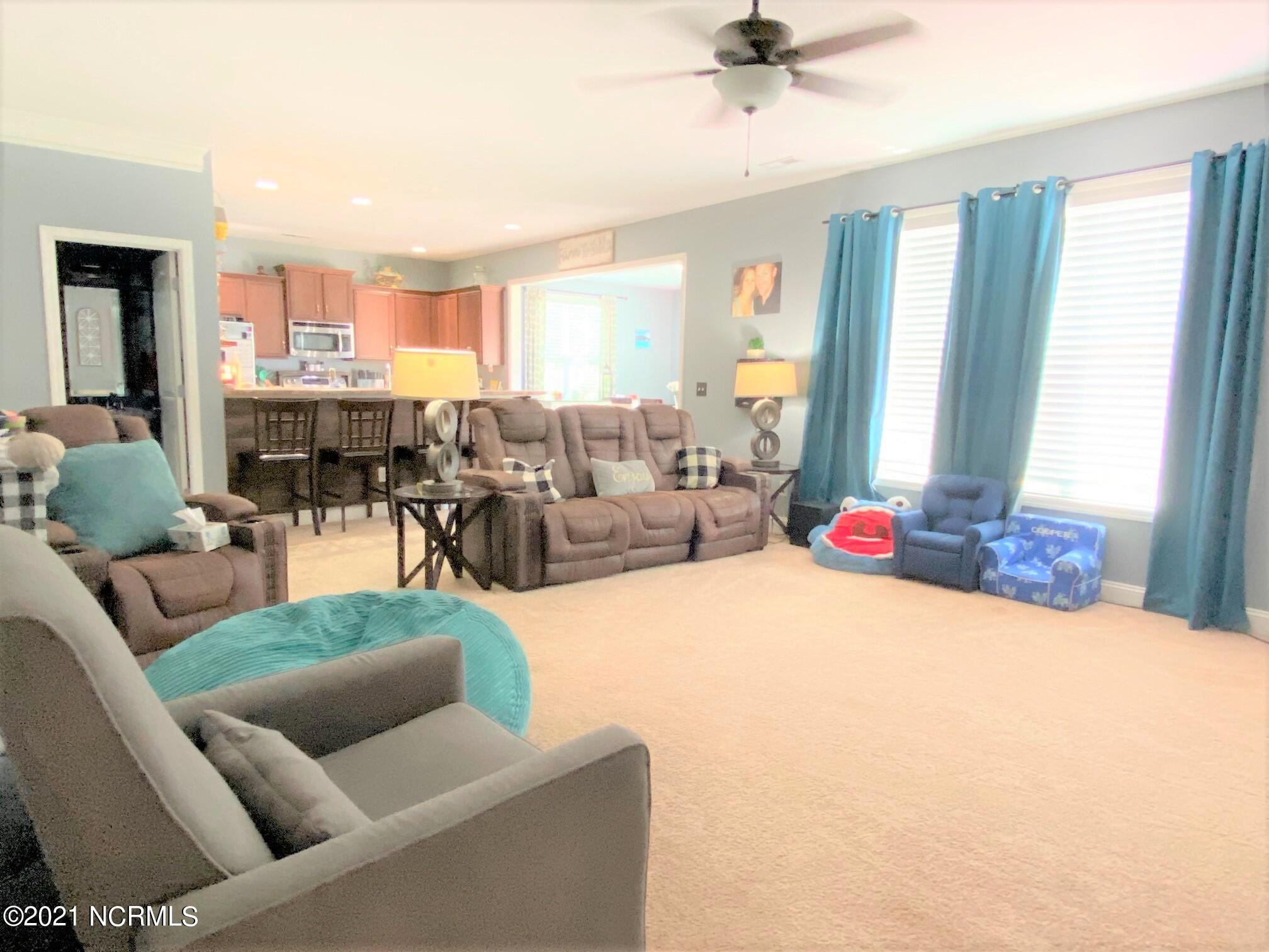 119 Northbrook Drive, Wilmington, North Carolina 28405, 5 Bedrooms Bedrooms, 10 Rooms Rooms,2 BathroomsBathrooms,Single family residence,For sale,Northbrook,100285309