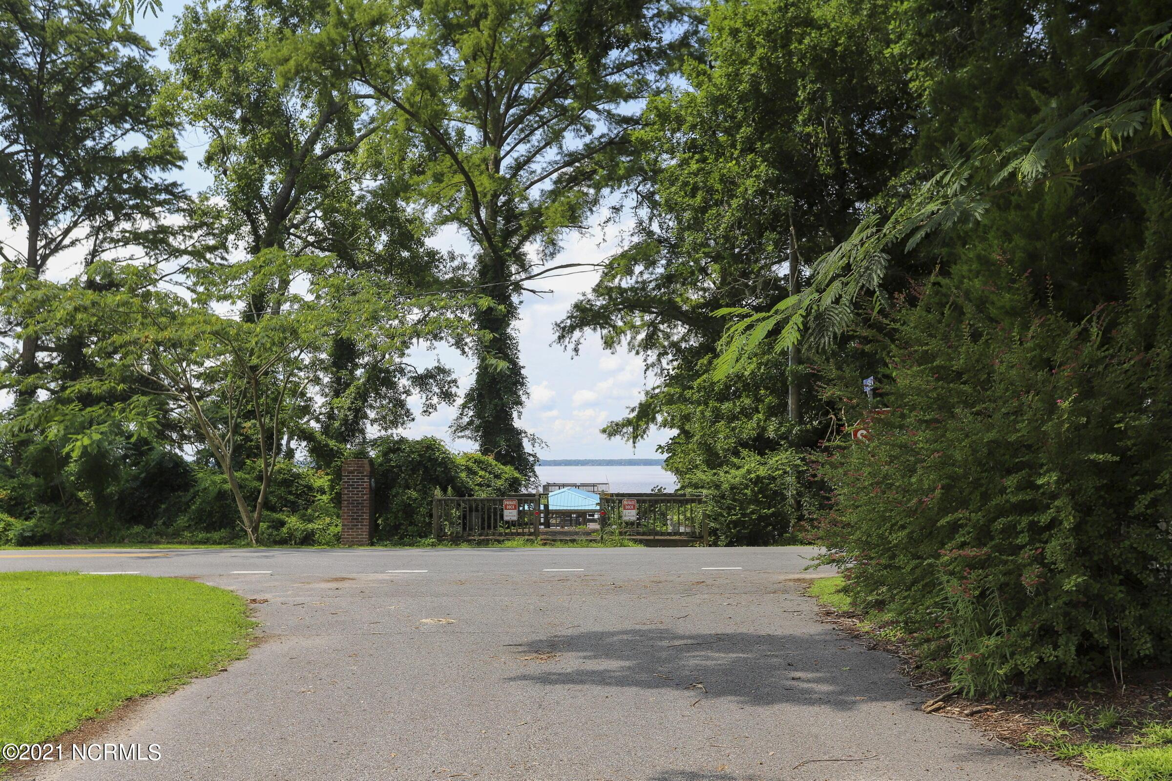 102 Arena Drive, Lake Waccamaw, North Carolina 28450, ,Residential land,For sale,Arena,100285906